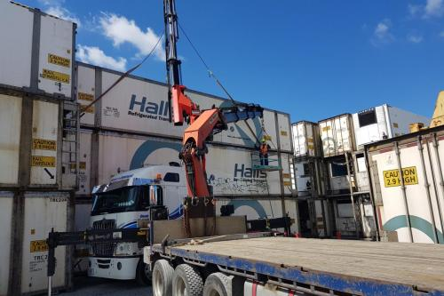 Destacking 43ft rail boxes at Takanini 7t stacked 3 high